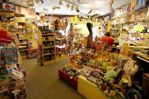 Торговое оборудование для магазина игрушек