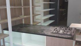 Торговое оборудование ТПК-Урал в магазине посуды