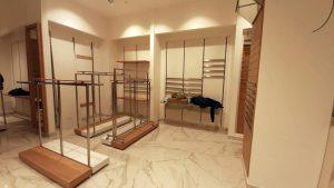 1 4 300x169 - Торговое оборудование для магазина одежды