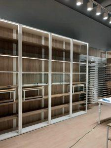 1 5 225x300 - Торговое оборудование для магазина одежды