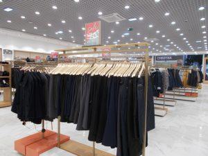DSCN2016 300x225 - Торговое оборудование для магазина одежды